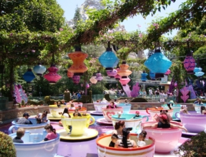Draaimolen Spinning Teacups in Disneyland Anaheim