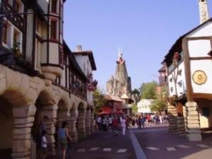 Via Antiqua, een straat uit de stripboeken van Astérix en Obelix, in Parc Asterix