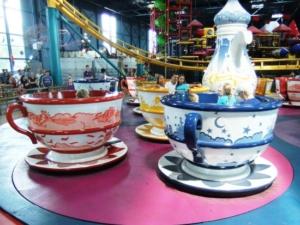 Snelle koffiekopjesmolen in Toverland