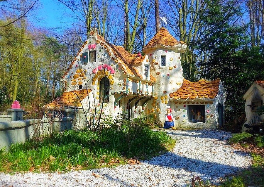 Het snoephuis van de heks, met Hans en Grietje in de Efteling