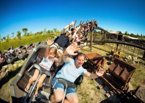 Achtbaan Tweestryd in Serenga in Wildlands Adventure Zoo